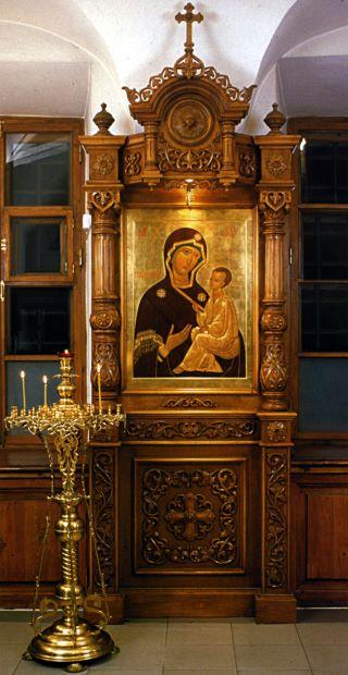 Тихвинская икона Пресвятой Богородицы. 2004 год. Икона из Никольского храма Рождественского монастыря.