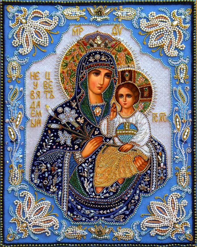 Неувядаемый цвет.Вышитые иконы Шамордино.  Посещая Шамординскую пустынь, православные паломники задают много вопросов...