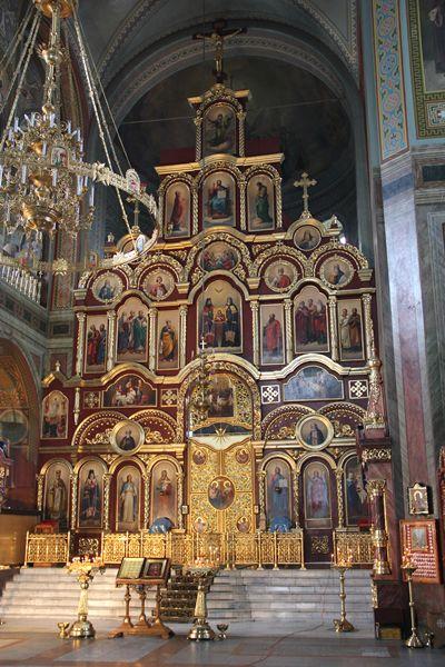 Иконостас Владимирского собора Задонского Рождество-Богородицкого мужского монастыря.