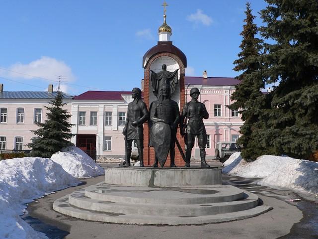 Памятники ельца с описанием и фото чехов антон павлович памятники