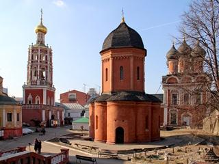 Высоко-Петровский мужской монастырь, колокольня, собор святителя Петра Митрополита, Боголюбский собор