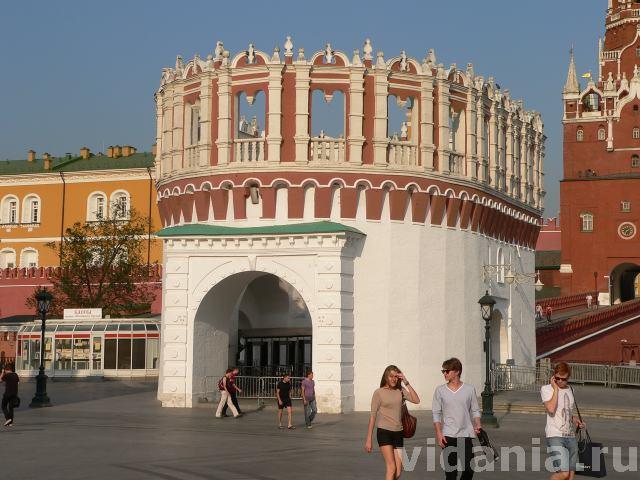 Кутафья башня Московского