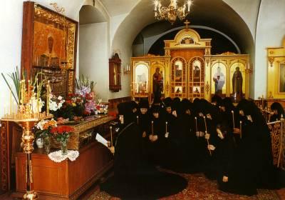 Молебен с акафистом перед ракой с мощами Святой Праведной блаженной Матроны Московской