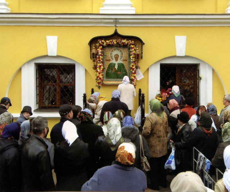 Кирилл посетил покровский женский