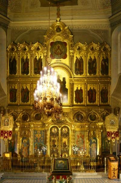 Иконостас храма иконы Божией Матери «Знамение» в Переяславской слободе, г. Москва.